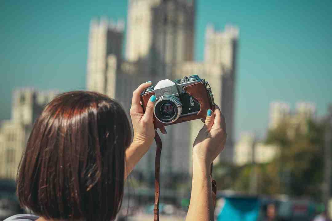 Comment chargez-vous un appareil photo Fujifilm?