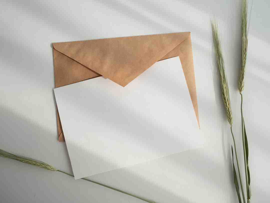 Comment envoyer une photo en pièce jointe par e-mail?
