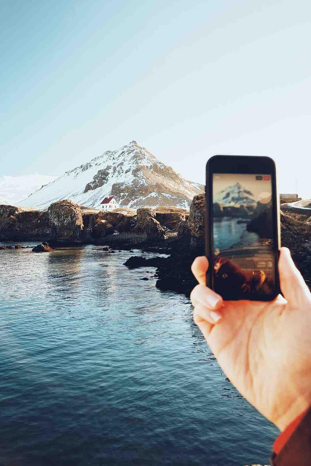 Comment envoyer des photos par mail sur Facebook ?