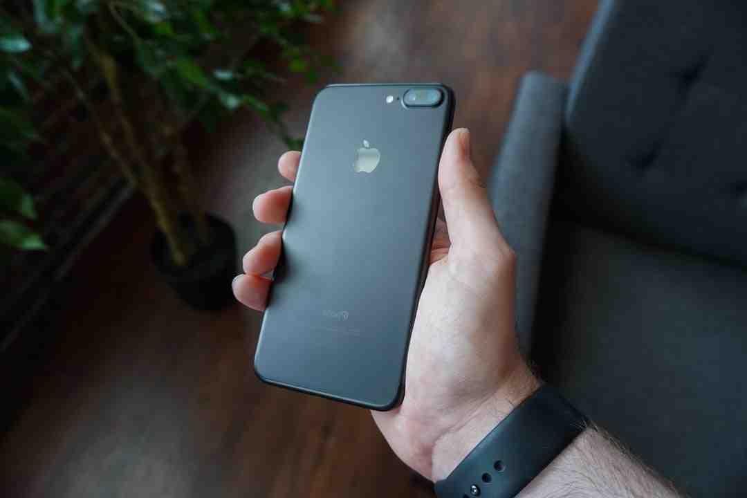 Comment mettre une photo reçu par SMS dans la galerie ?