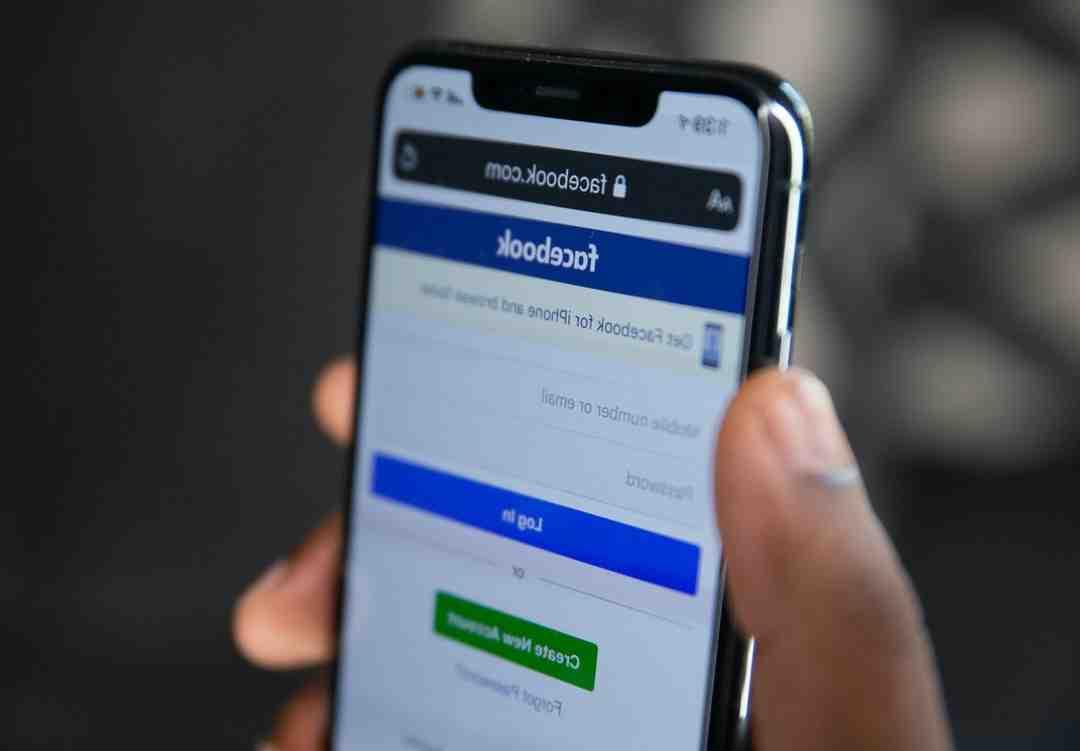 Comment faire pour envoyer un message à Facebook ?